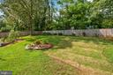 Something is ALWAYS in Bloom in This Yard! - 9522 BACCARAT DR, FAIRFAX