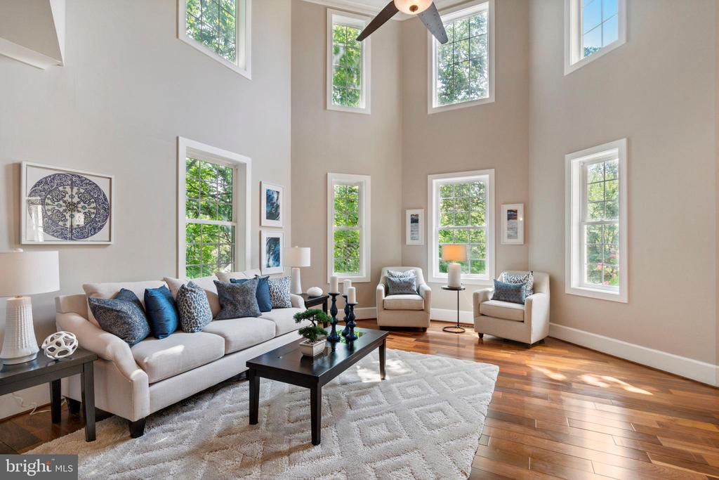 Front Living Room  with Cathedral Ceilings - 4389 OLD DOMINION DR, ARLINGTON