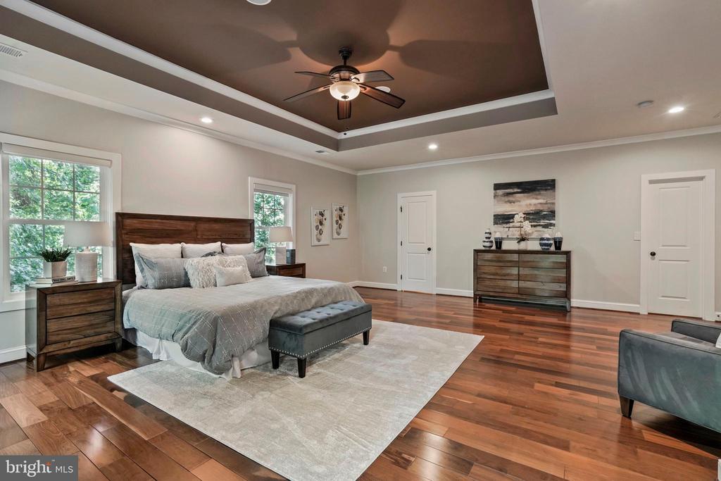 Spacious Master Bedroom - 4389 OLD DOMINION DR, ARLINGTON