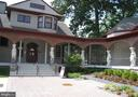 HOUSE IS NEAR HISTORIC NATIONAL PARK SEMINARY - 9500 WOODSTOCK CT, SILVER SPRING