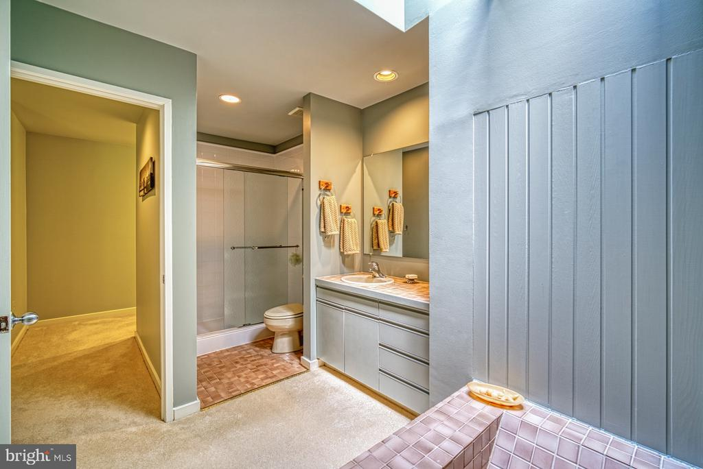 Master Bathroom - 11517 TURNBRIDGE LN, RESTON