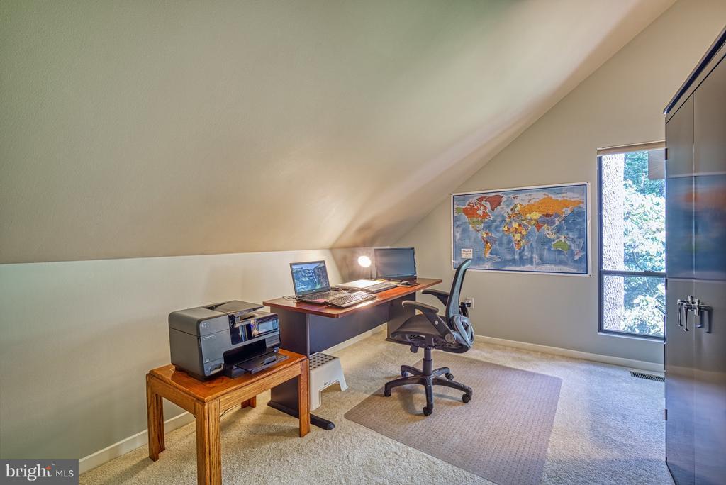 Upper level office or Bedroom #5 - 11517 TURNBRIDGE LN, RESTON
