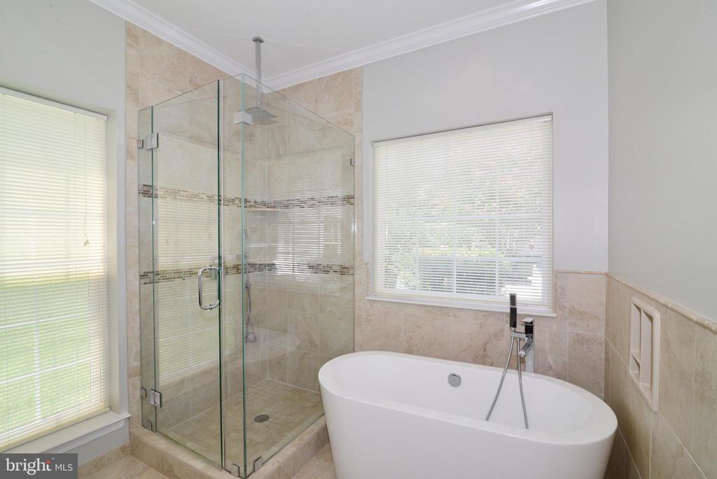 Remodeled Master Bath - 21417 HUMBOLT SQ, ASHBURN