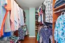 Huge owner's closet w/custom storage system - 47572 COMER SQ, STERLING