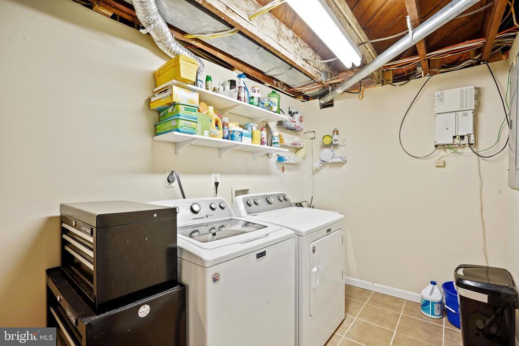 laundry and storage room - 3616 ARLINGTON BLVD, ARLINGTON