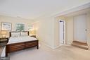 rare main level bedroom, bath with comfy carpeting - 3616 ARLINGTON BLVD, ARLINGTON