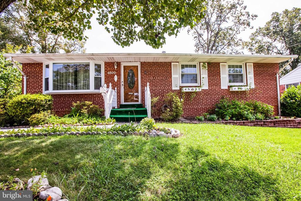 Welcome home to 6920 Ruskin Street - 6920 RUSKIN ST, SPRINGFIELD