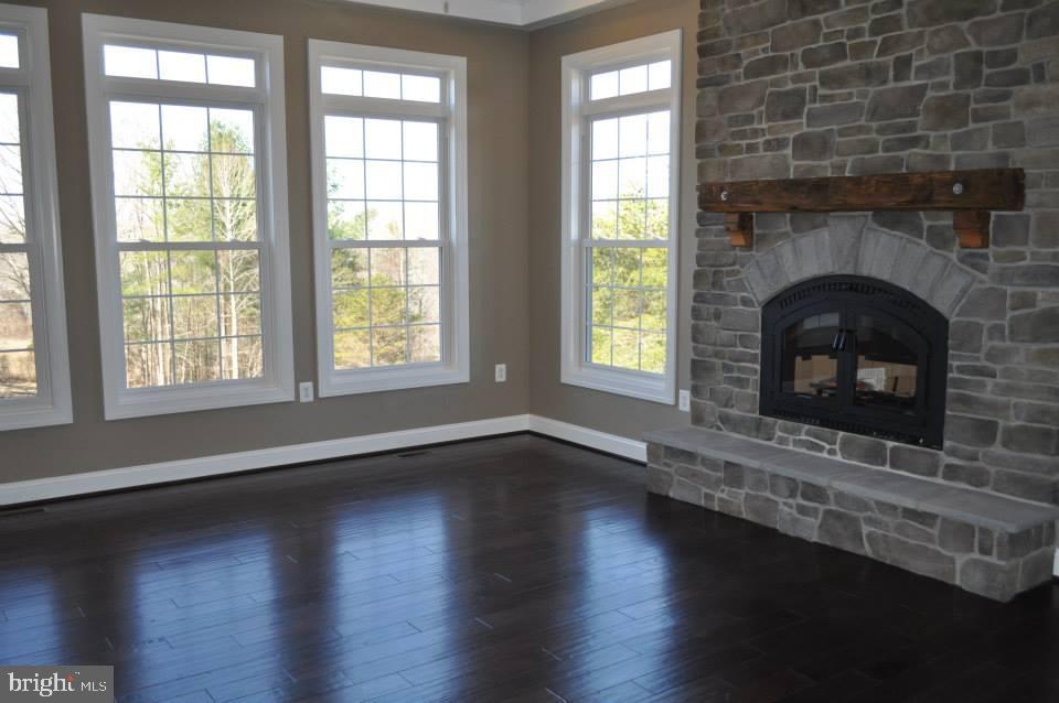 Family Rm - Ex 1 - Option - Hardwood floors - 11950 HONEY GROVE TRL, NOKESVILLE