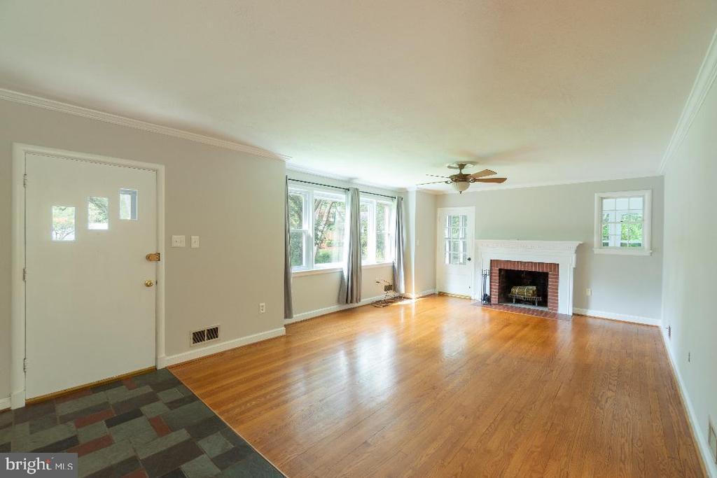 Living room & real hardwood floors - 9407 BRUCE DR, SILVER SPRING