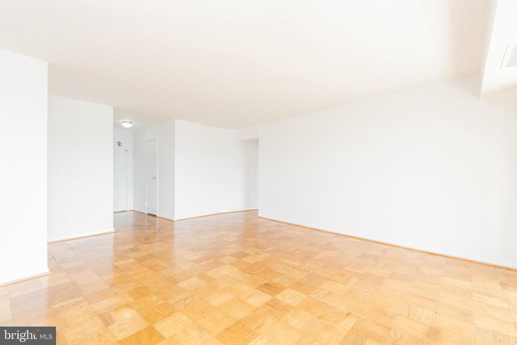 Dining Room/Living  Room View - Unstaged - 9039 SLIGO CREEK PKWY #1610, SILVER SPRING