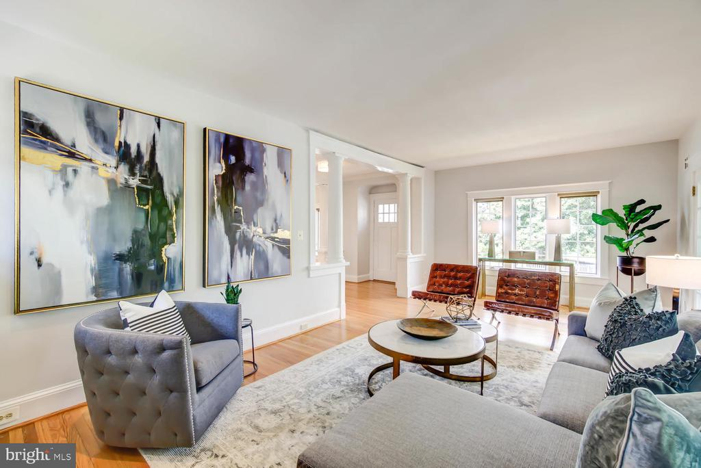Living Room - 2900 FRANKLIN RD, ARLINGTON