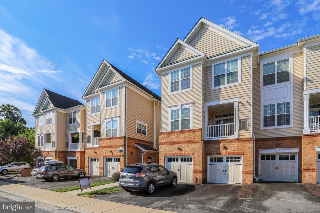 Large 2 bedroom condo with garage! - 20385 BELMONT PARK TER #112, ASHBURN