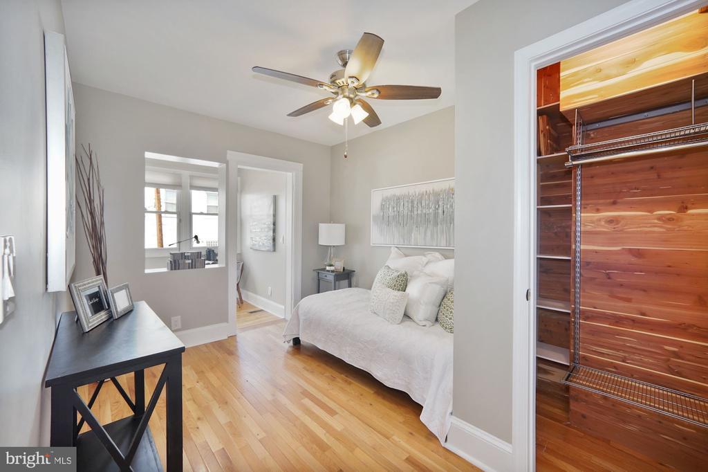 Second BR with large cedar-lined closet - 332 CHANNING ST NE, WASHINGTON