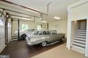 Carriage house garage with car lift - 40483 GRENATA PRESERVE PL, LEESBURG