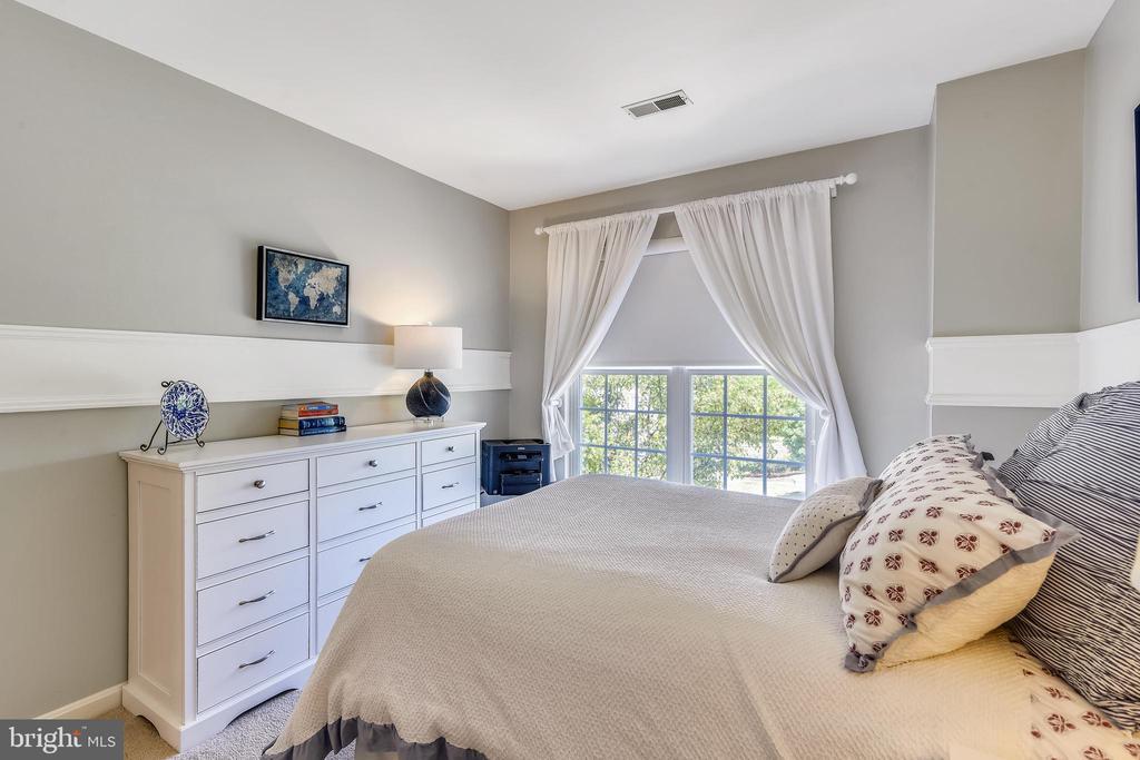 Window treatments convey - 43496 GREENWICH SQ, ASHBURN