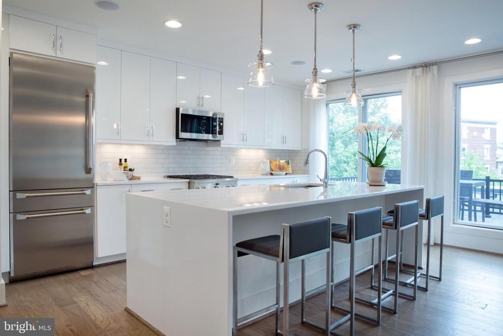 Kitchen Island Northwest - 645 MARYLAND AVE NE #201, WASHINGTON