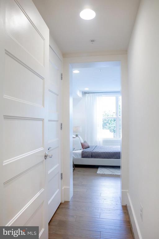 Center Bedroom Entry South - 645 MARYLAND AVE NE #201, WASHINGTON