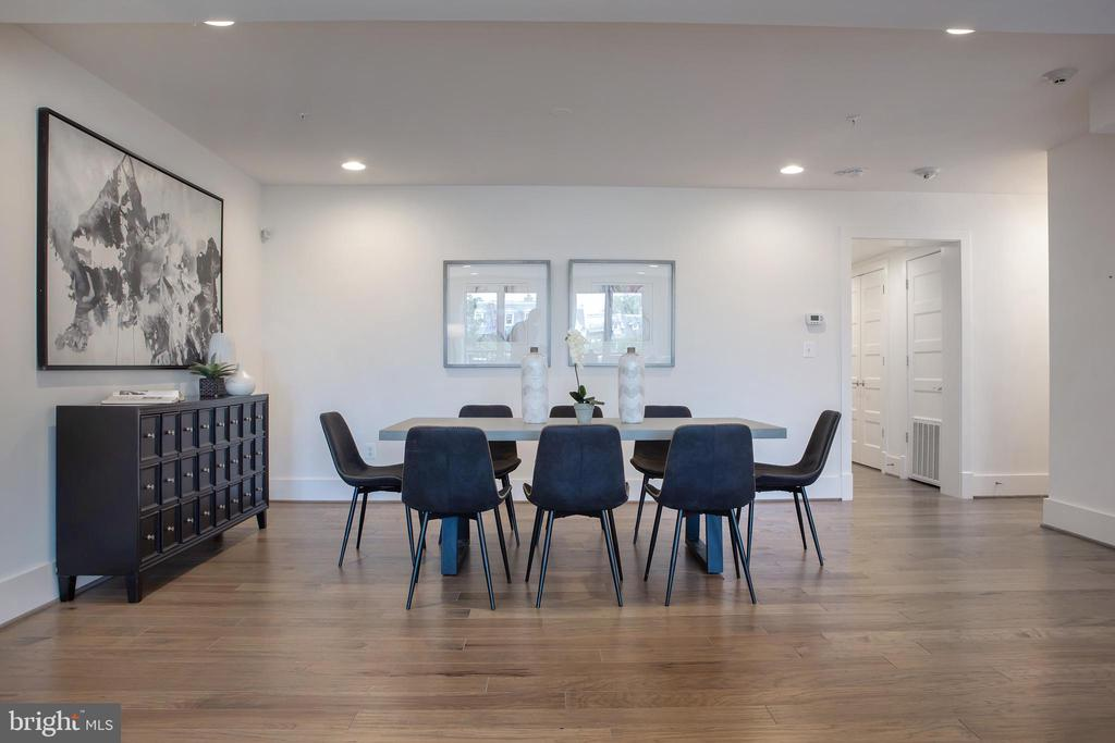 Dining Area South - 645 MARYLAND AVE NE #201, WASHINGTON