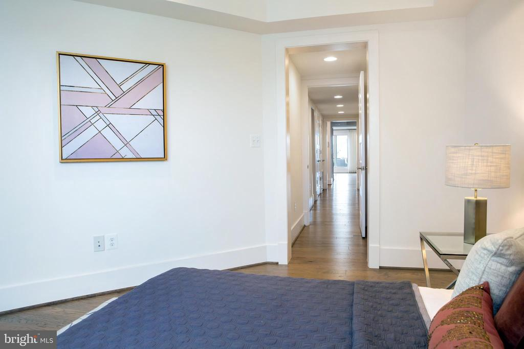 Center Bedroom North - 645 MARYLAND AVE NE #201, WASHINGTON