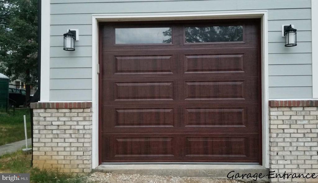 Garage Entrance - 5148 11TH ST S, ARLINGTON