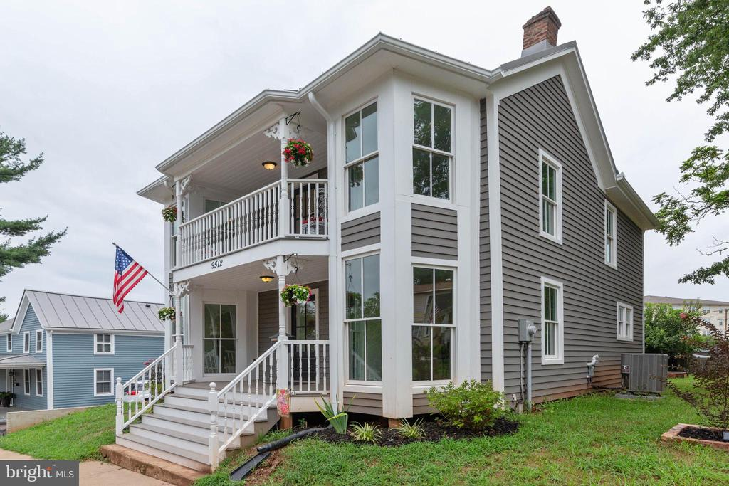 Double porches with Tongue & Groove Fir Wood - 9512 LIBERTY ST, MANASSAS