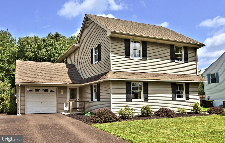 Single Family Homes для того Продажа на Horsham, Пенсильвания 19044 Соединенные Штаты