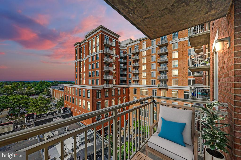 Northeast balcony view at sunset. - 1205 N GARFIELD ST #608, ARLINGTON
