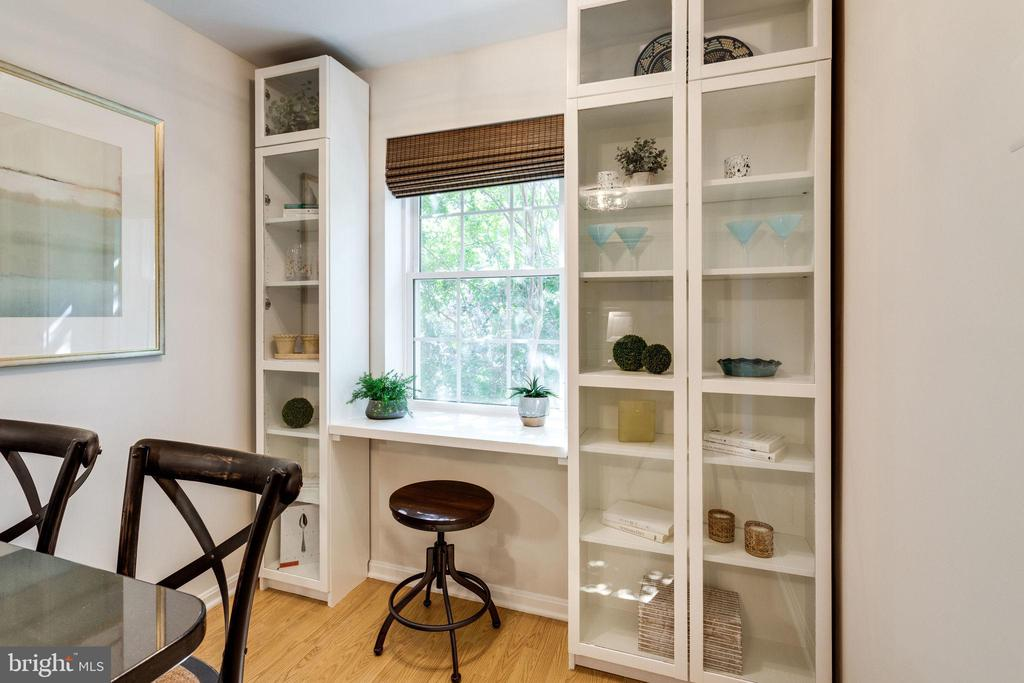 Separate desk area/cabinetry overlooks courtyard - 1741 N TROY ST #8-430, ARLINGTON