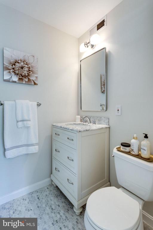 Bath remodeled in 2018 - 1741 N TROY ST #8-430, ARLINGTON
