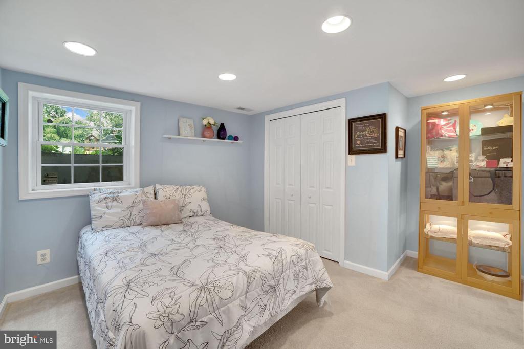 Bedroom #4 - Recess Lighting & Newer Window! - 7326 RONALD ST, FALLS CHURCH
