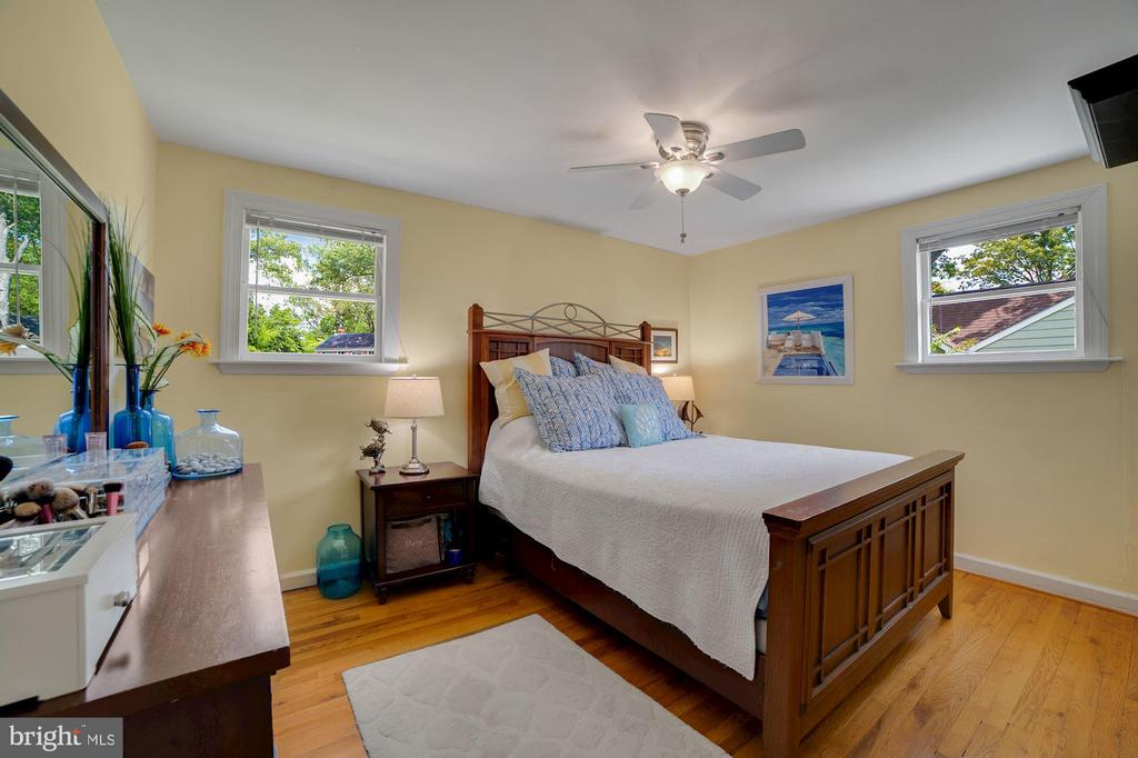 Master Bedroom - Hardwood Floors! - 7326 RONALD ST, FALLS CHURCH