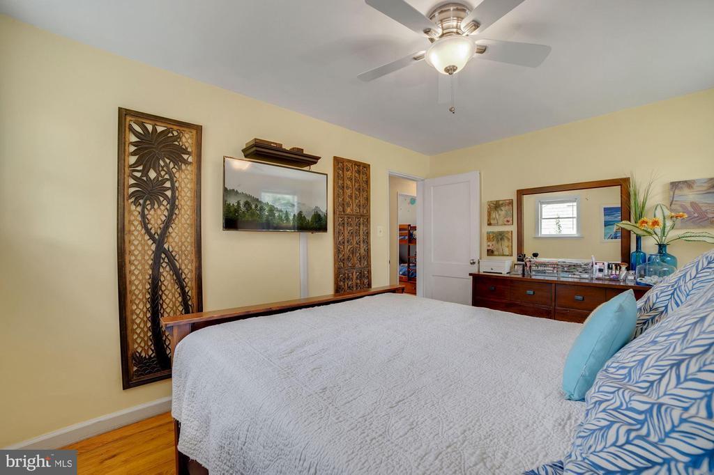 Master Bedroom - 7326 RONALD ST, FALLS CHURCH