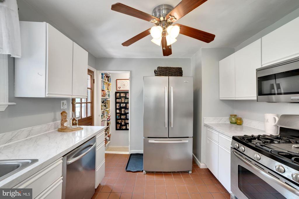 Kitchen - Stainless Steel Appliances! - 7326 RONALD ST, FALLS CHURCH