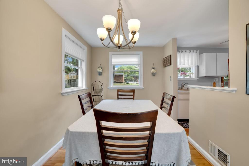 Dining Room - New Chandelier! - 7326 RONALD ST, FALLS CHURCH