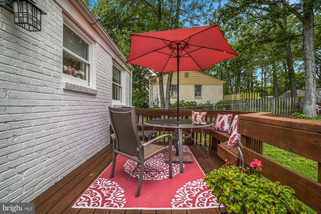 Deck - Freshly Stained! - 7326 RONALD ST, FALLS CHURCH
