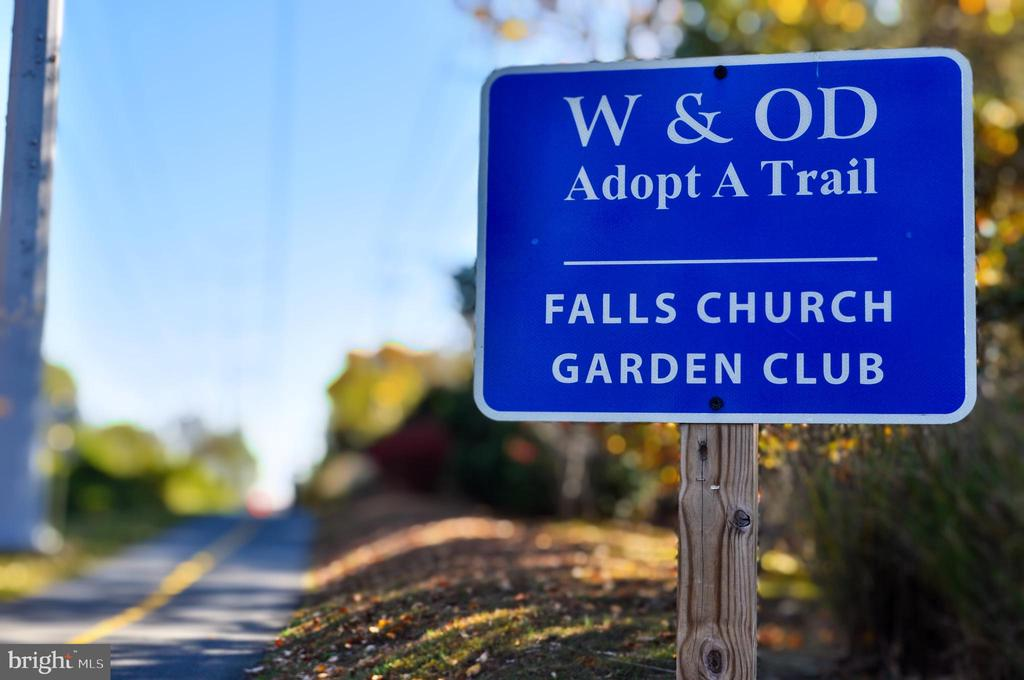 A Quick Hop on to the W&OD Trail! - 7326 RONALD ST, FALLS CHURCH