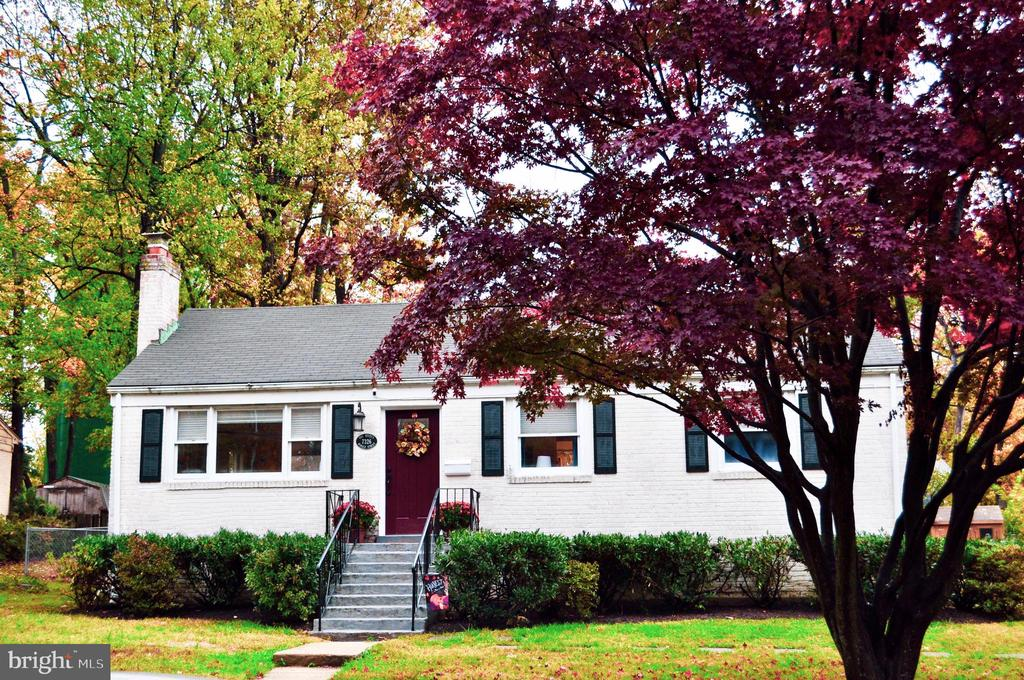 Welcome Home! - 7326 RONALD ST, FALLS CHURCH