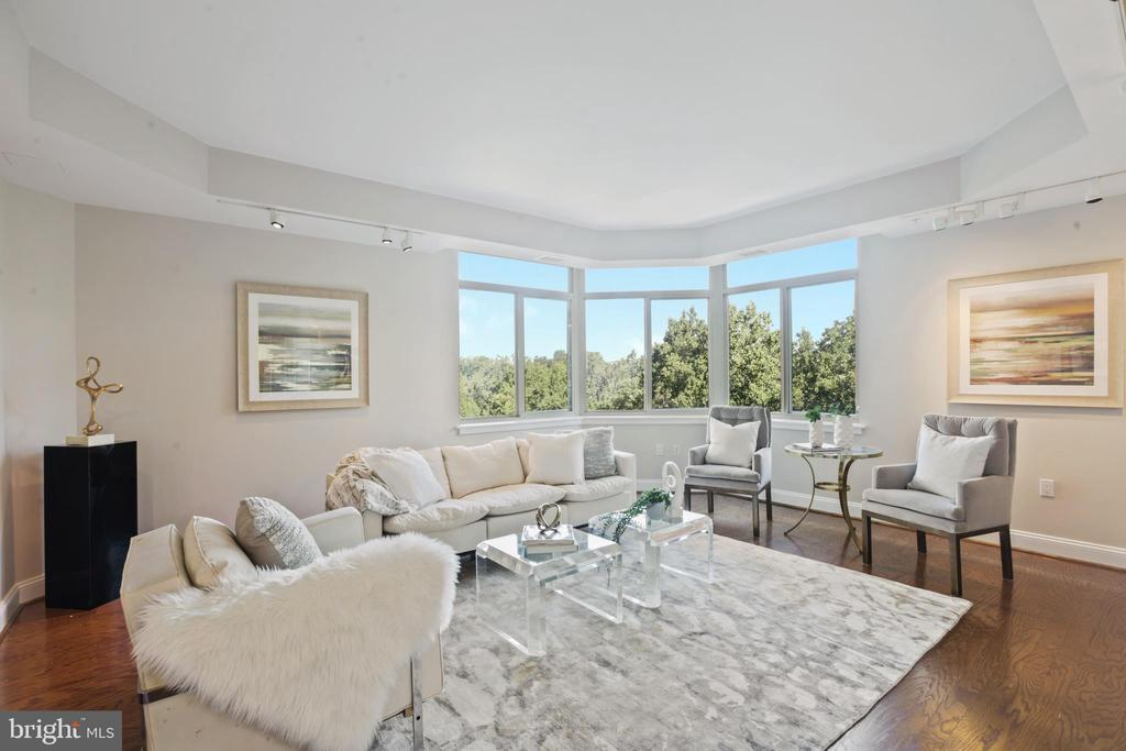 Library/family room/home office: how will you use? - 5630 WISCONSIN AVE #905, CHEVY CHASE