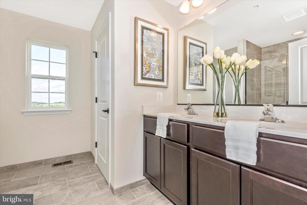 Master Bathroom - 527 ISAAC RUSSELL, NEW MARKET