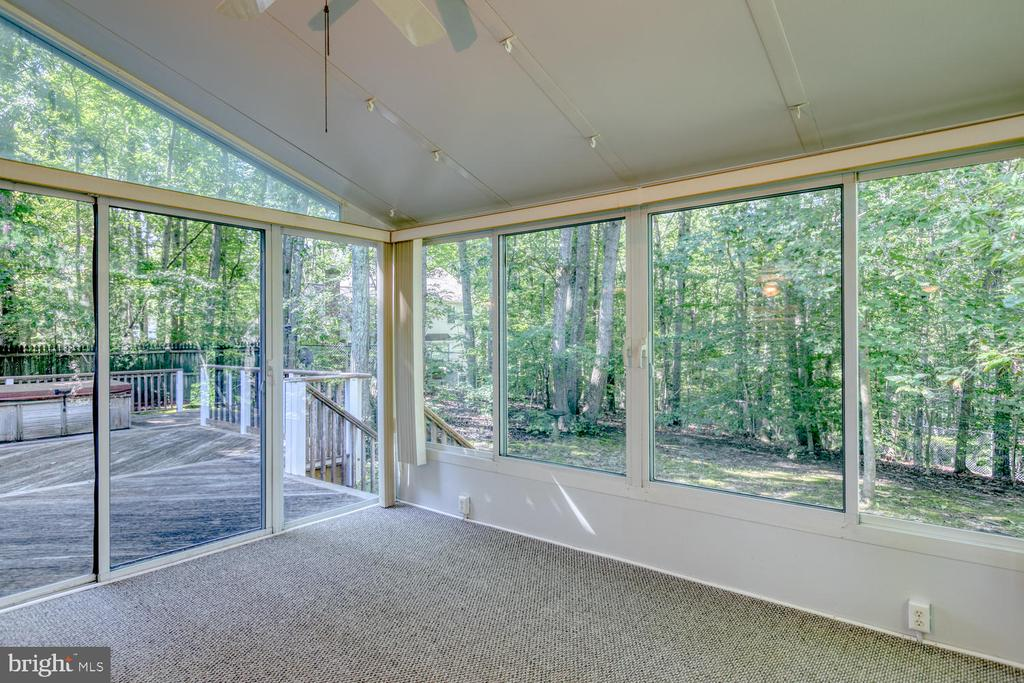 Gorgeous Sunroom - 2305 HARPOON DR, STAFFORD