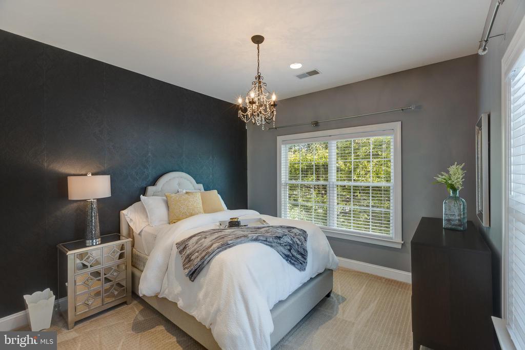 Jack n Jill Bedroom #1 - 22749 HIGHCREST CIR, BRAMBLETON