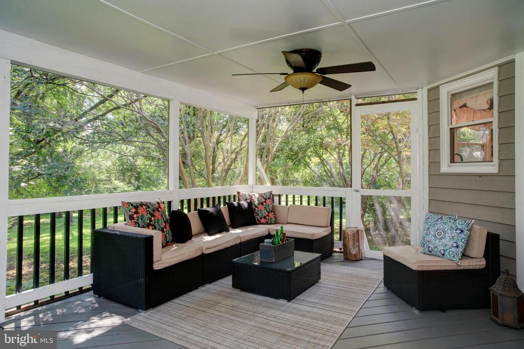 Covered Deck - 4227 STEPNEY DR, GAINESVILLE
