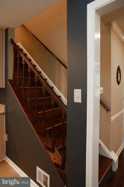 Stairway - 4227 STEPNEY DR, GAINESVILLE