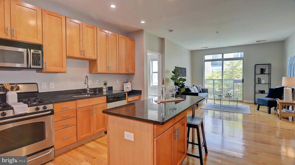 Bright and spacious living area - 1800 WILSON BLVD #235, ARLINGTON