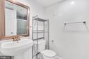 Main Full Bath - 1301 N COURTHOUSE RD #1007, ARLINGTON