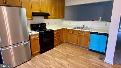 Kitchen - 303 BARROWS CT, FREDERICKSBURG