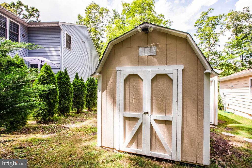 Large Shed - 413 LIBERTY BLVD, LOCUST GROVE