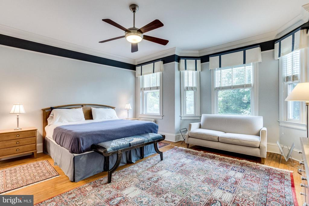 OWNER'S SUITE - 1919 S ST NW, WASHINGTON