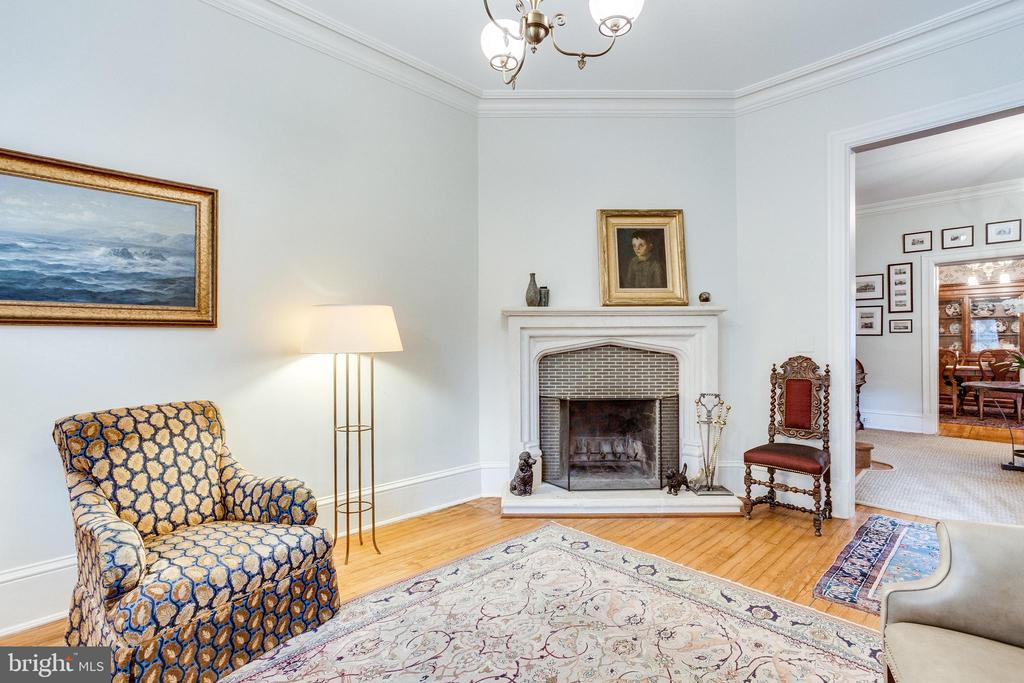 LIVING ROOM - 1919 S ST NW, WASHINGTON