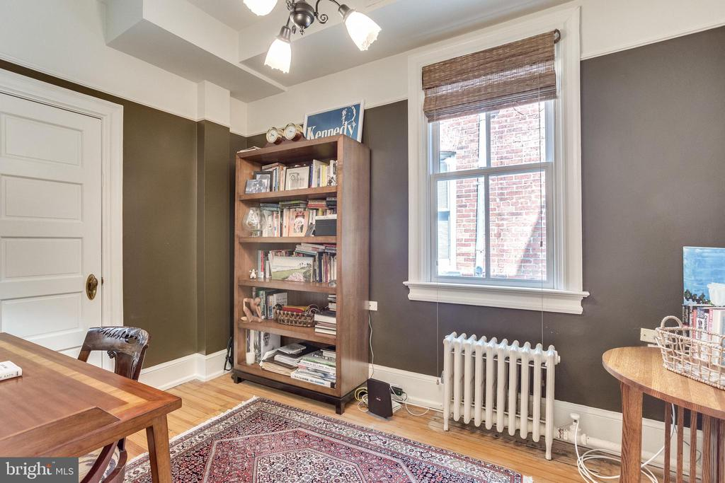 SECOND LEVEL OFFICE / GUEST BEDROOM - 1919 S ST NW, WASHINGTON